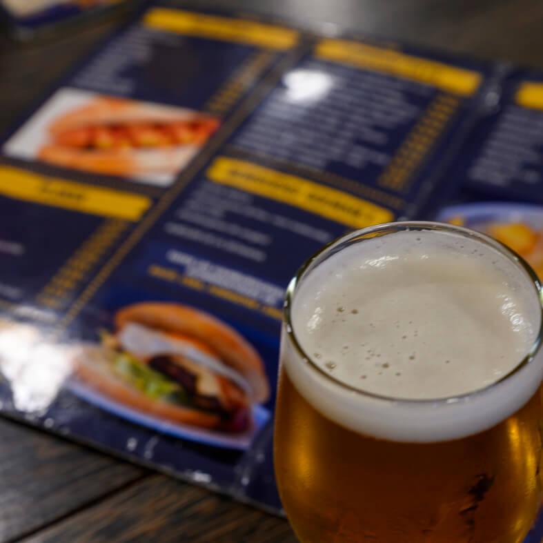 carta del frankfurtparera amb copa de cervesa
